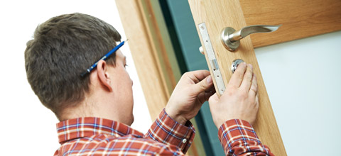 how to become a locksmith canada